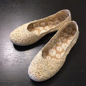 Ivory Lace Flats
